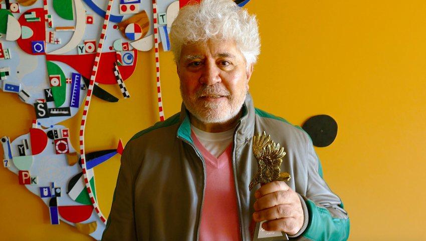 Pedro Almodóvar recibe el premio Águila de Oro del Aguilar Film Festival